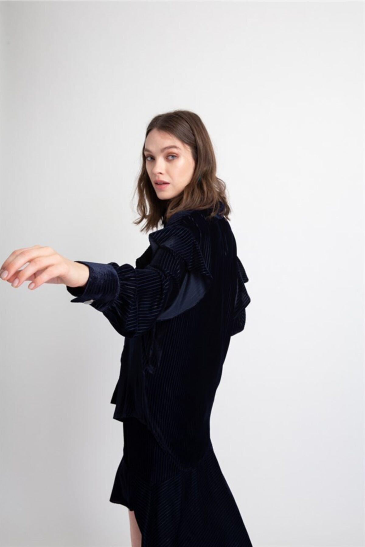 rue. Lacivert Fırfır Detaylı Kadife Gömlek 1