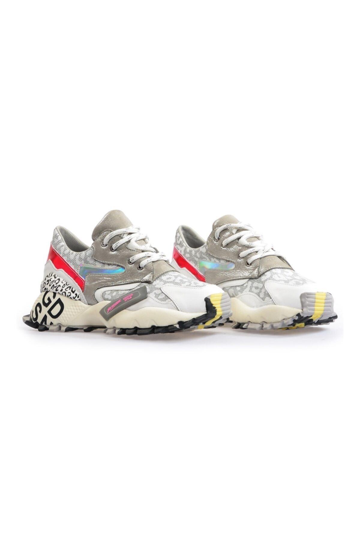 Flower Beyaz Taban Detaylı Spor Ayakkabı 2