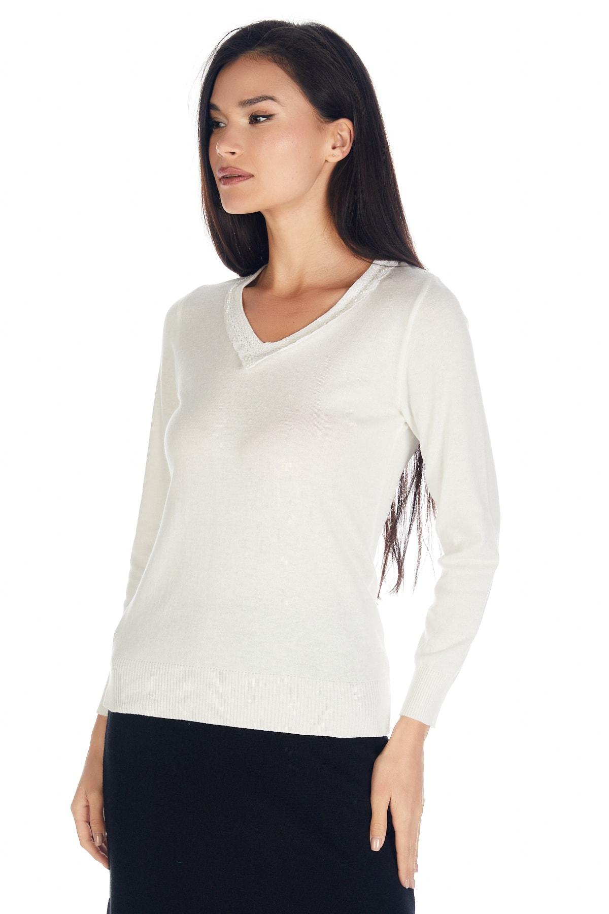Solo Triko Kadın Ecru V Yaka Dantel Detaylı Viskoz Bluz Uzun Kol 2