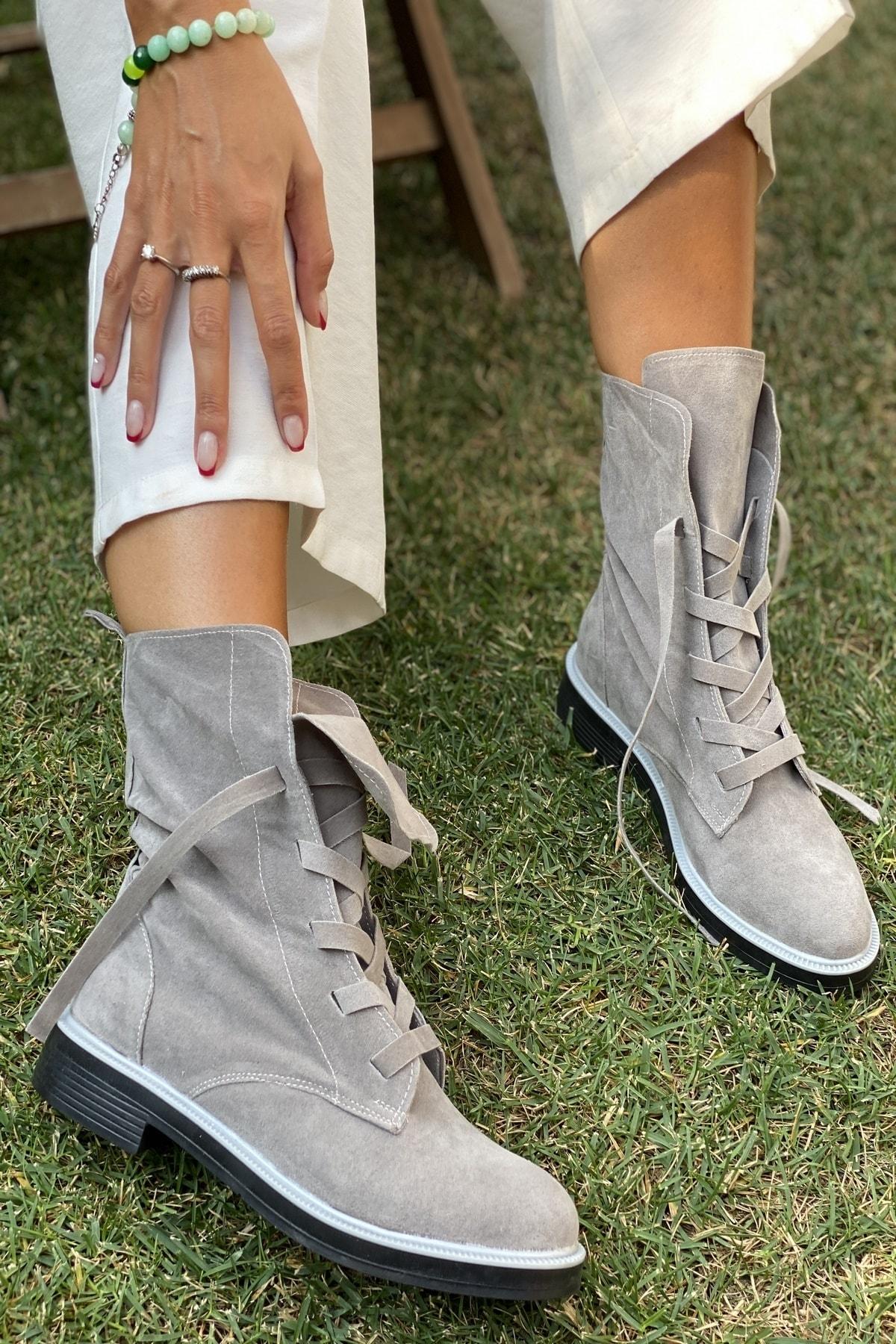 İnan Ayakkabı Bayan Fermuarsız Kalın Bağcık Detaylı Postal 2