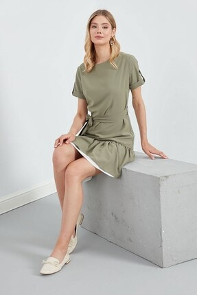 Journey Elbise Sıfır Yaka- Etek Altı Büzgü Ve Çift Renk Parçalı, Belden Kuşaklı