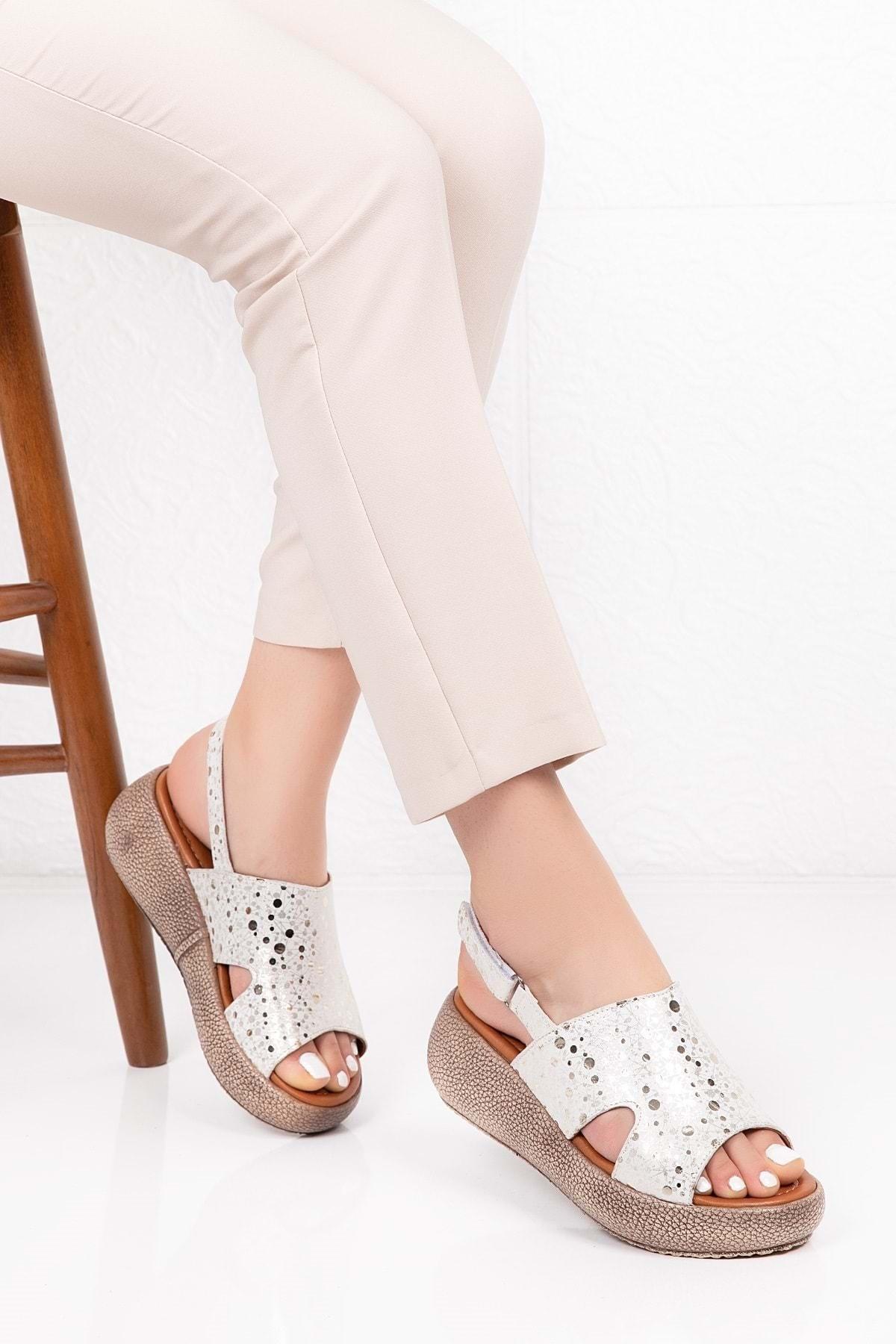 Gondol Hakiki Deri Anatomik Taban Sandalet Beyaz Dalmaçyalı 38 Iz.0809 1