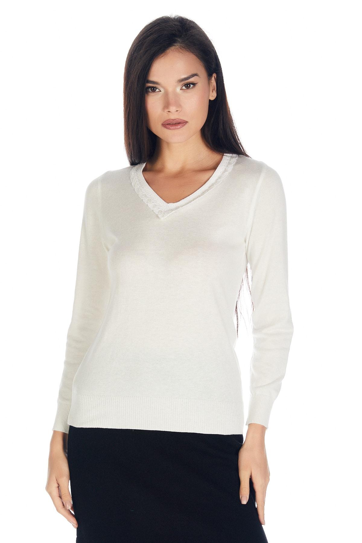 Solo Triko Kadın Ecru V Yaka Dantel Detaylı Viskoz Bluz Uzun Kol 1