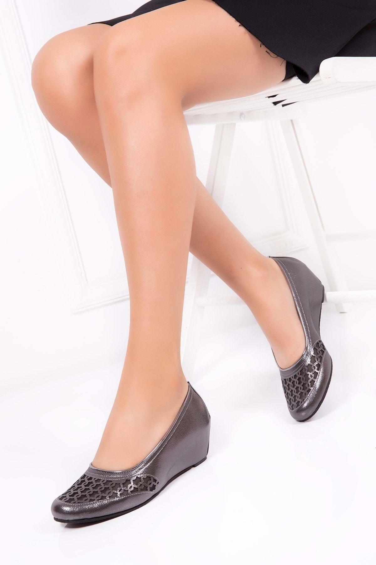 Gondol Transparan Ayrıntılı Ev Ayakkabı Platin 40 Dmr.195-2 1