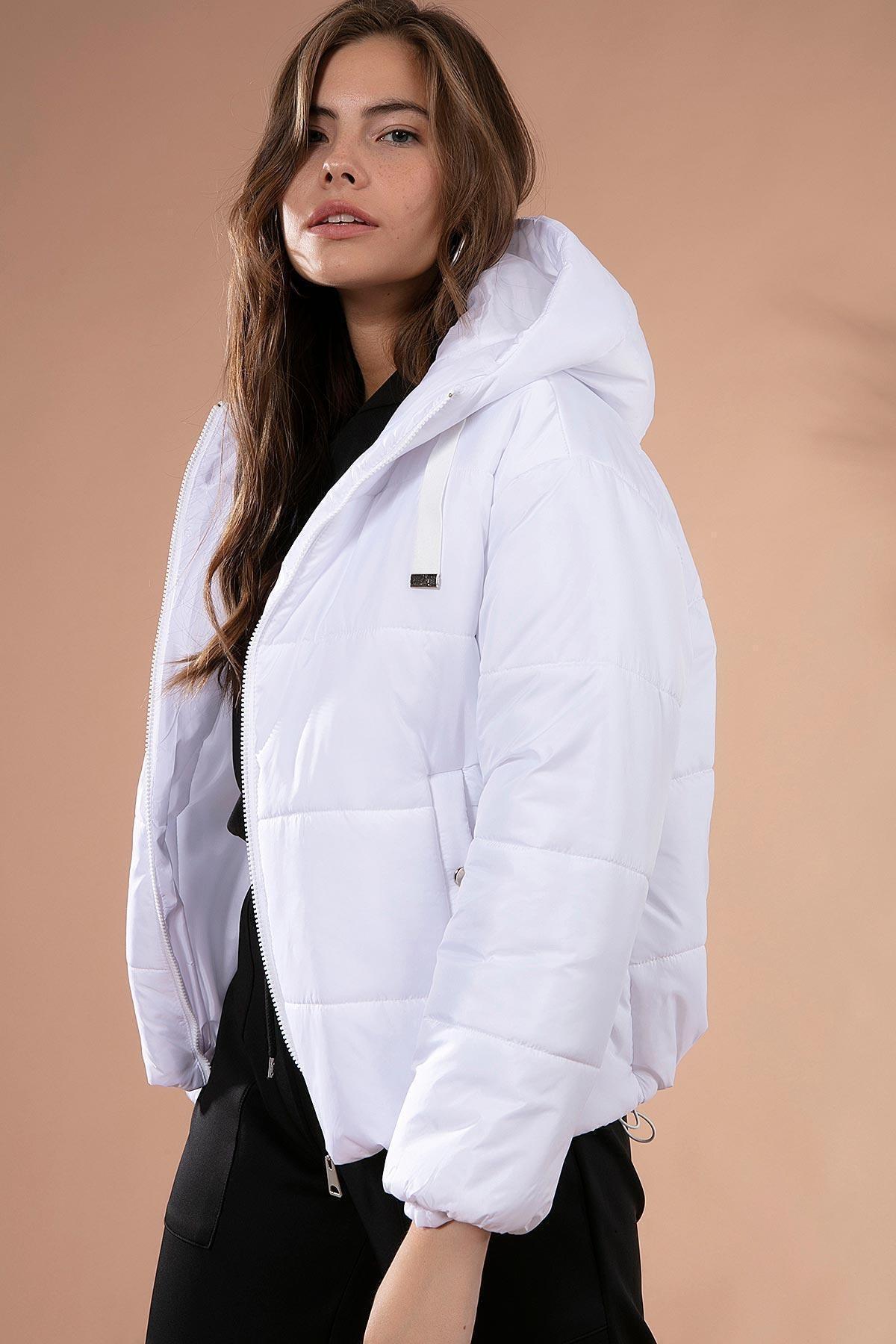 Y-London Kadın Beyaz Kapşonlu Fermuarlı Şişme Mont Y20W110-7115 2