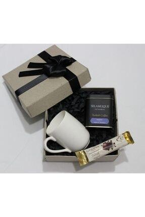 Selamlique Selamlıque Türk Kahvesi Damla Sakızlı & Beyaz Kupa Bardak & Godiva Çikolata Seti