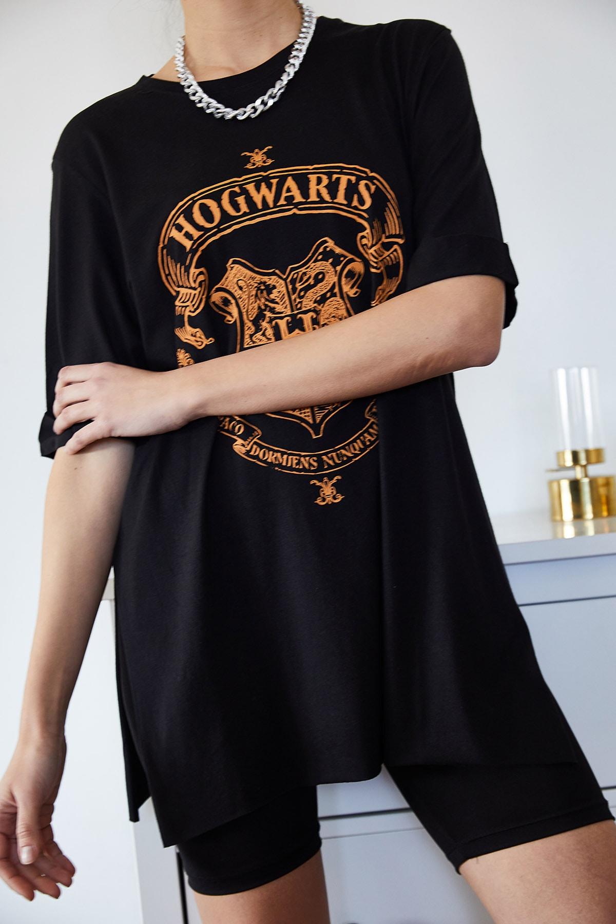 XENA Kadın Siyah Baskılı Yırtmaçlı Boyfriend T-Shirt 1KZK1-11144-34 2