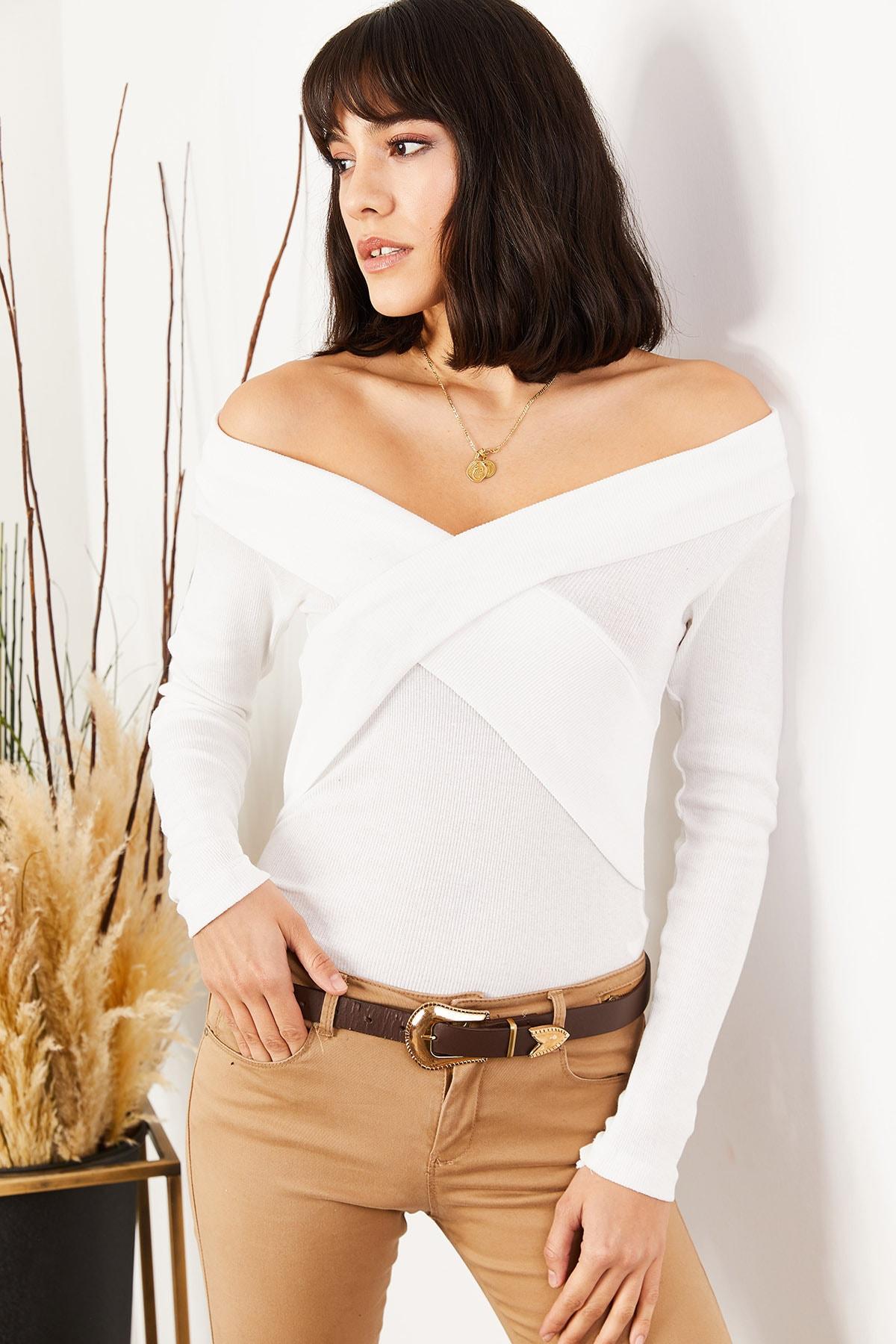 Olalook Kadın Beyaz Çapraz Detaylı Kaşkorse Bluz BLZ-19001271 1
