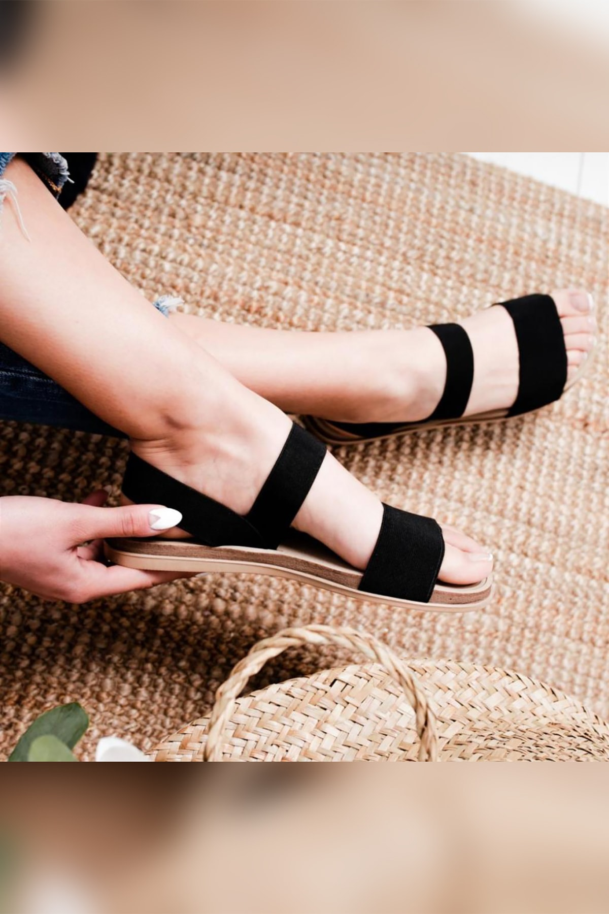 Limoya Kadın Siyah Lastikli Eva Tabanlı Comfort Hafif Sandalet 1