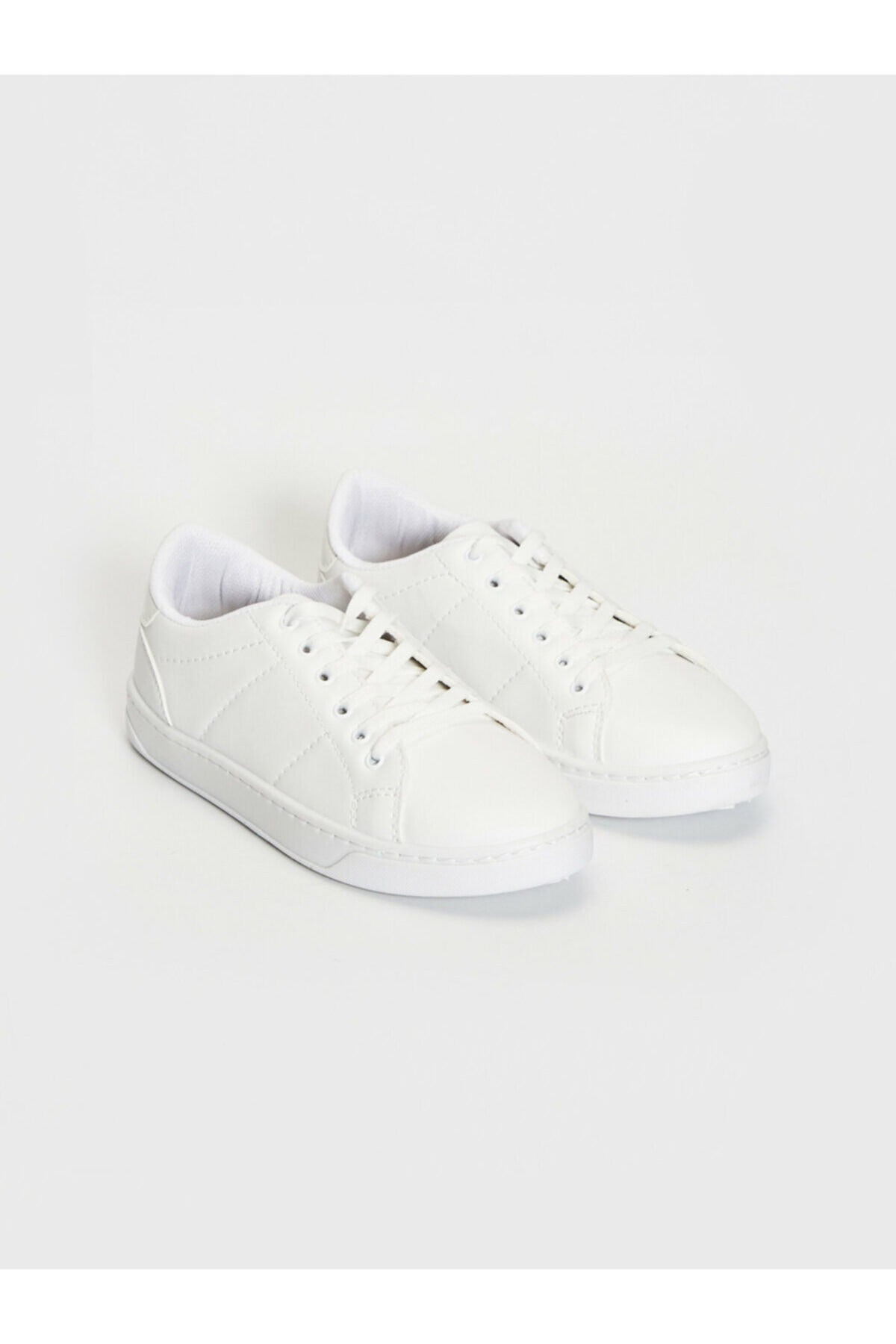 LC Waikiki Kadın Beyaz Sneaker Ayakkabı 1