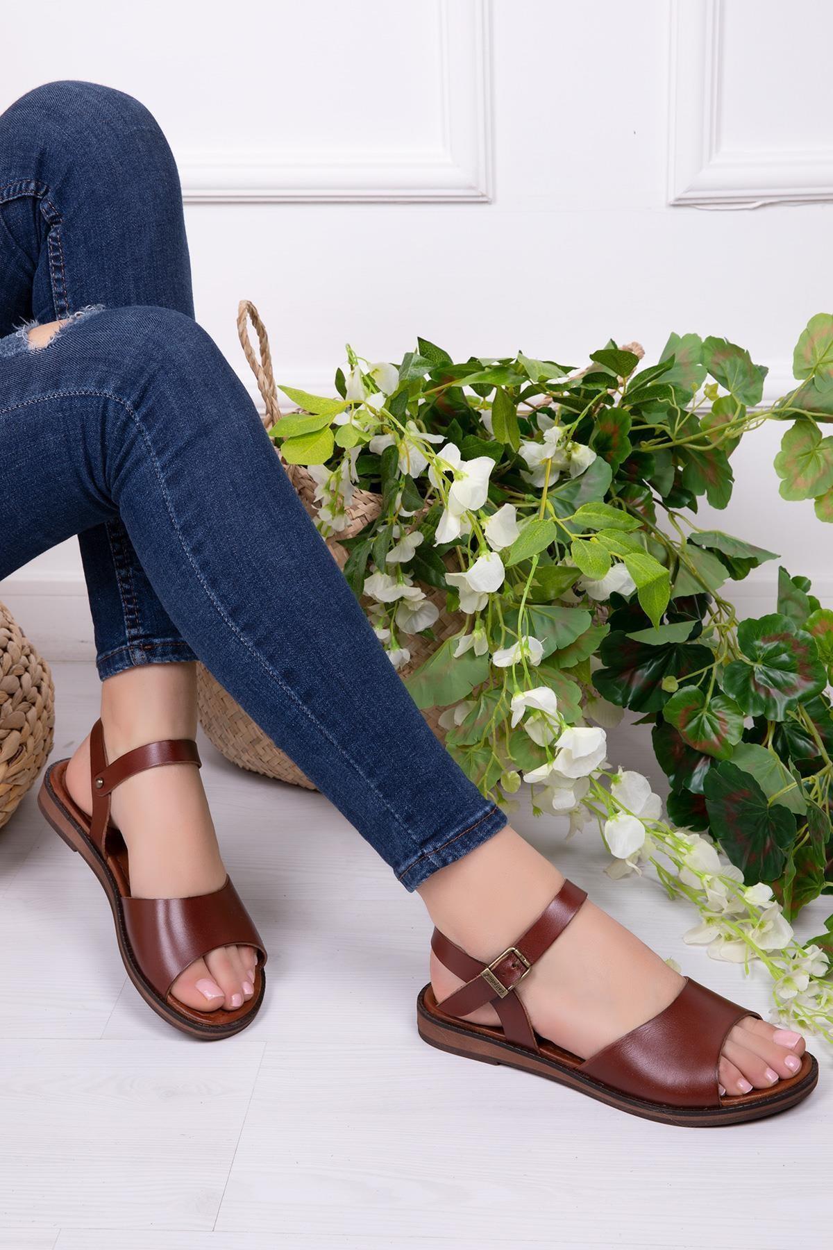 Deripabuc Hakiki Deri Kahverengi Kadın Deri Sandalet DP-0086 1