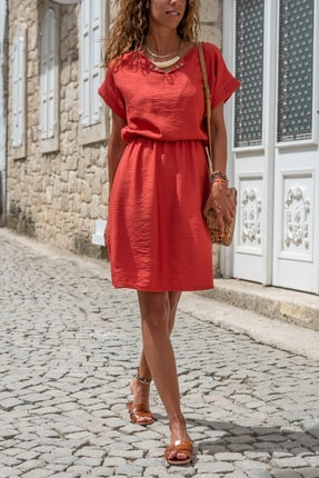 Güneşkızı Kadın Mercan Beli Büzgülü Yakası Yırtmaçlı Keten Elbise Gk-bst2874