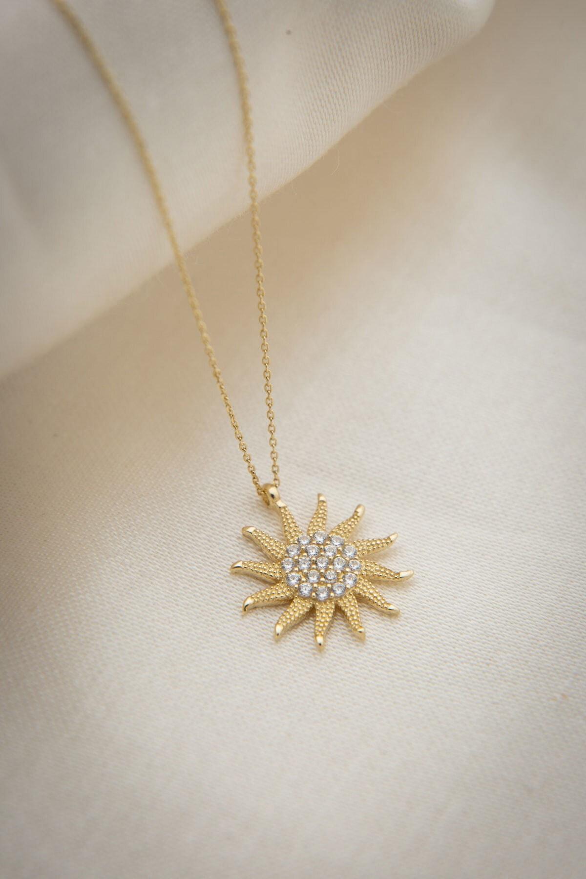 Papatya Silver 925 Ayar Altın Kaplama Zirkon Taşlı Gümüş Güneş Kolye 1