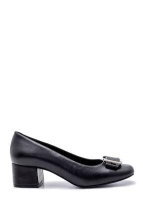 Derimod Kadın Toka Detaylı Kalın Topuklu Ayakkabı