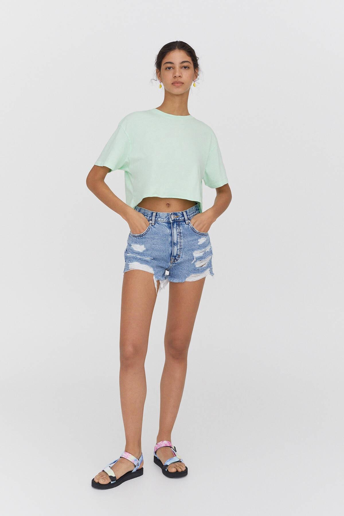 Pull & Bear Kadın Yeşil Biyeli Dikişli Crop Fit T-shirt 2