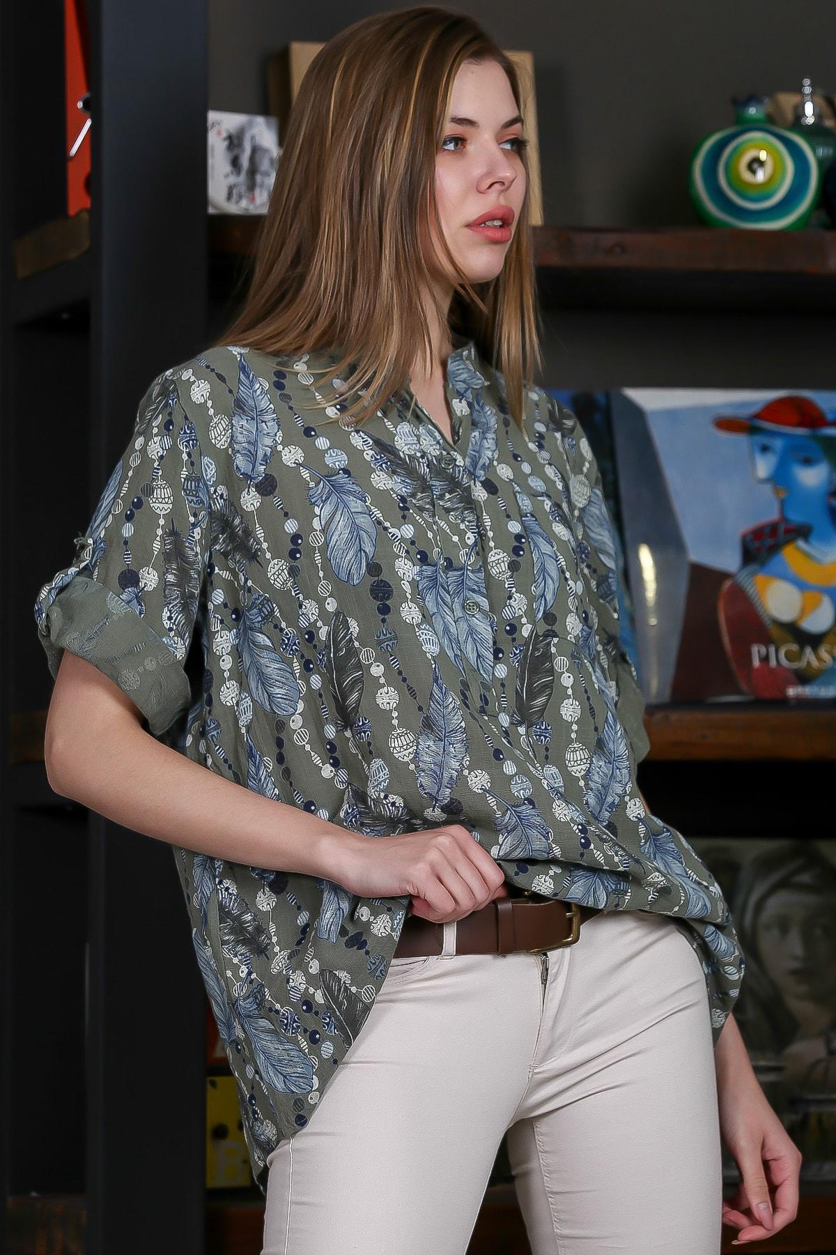 Chiccy Kadın Yeşil İtalyan Tüy Desenli Yakası Patlı Düğme Detaylı 3/4 Ayarlı Kol Bluz M10010200BL95504