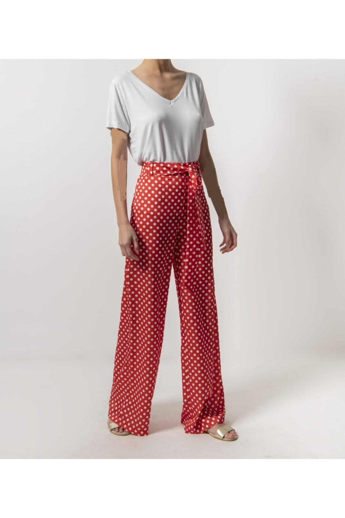 DEDUCHE Kırmızı Üzeri Beyaz Puantiyeli Belden Bağlamalı Ispanyol Paça Saten Pantolon 1