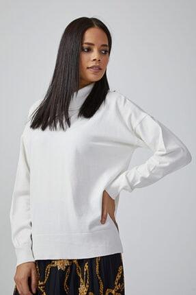 Gusto Kadın Beyaz Dik Yakalı Yanları Yırtmaçlı Triko Kemik