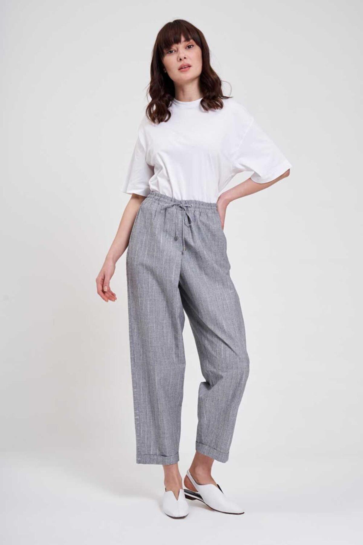 Mizalle Mızalle Çizgili Parça Detaylı Pantolon Gri 2