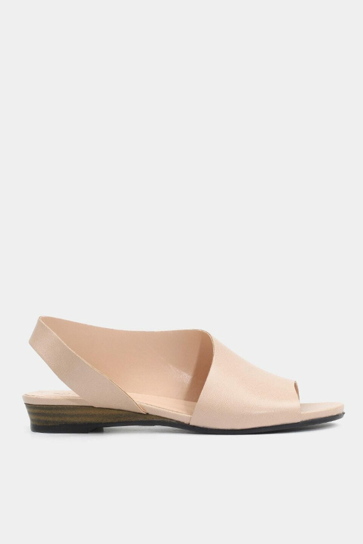 Hotiç Kemik Kadın Düz Sandalet 1