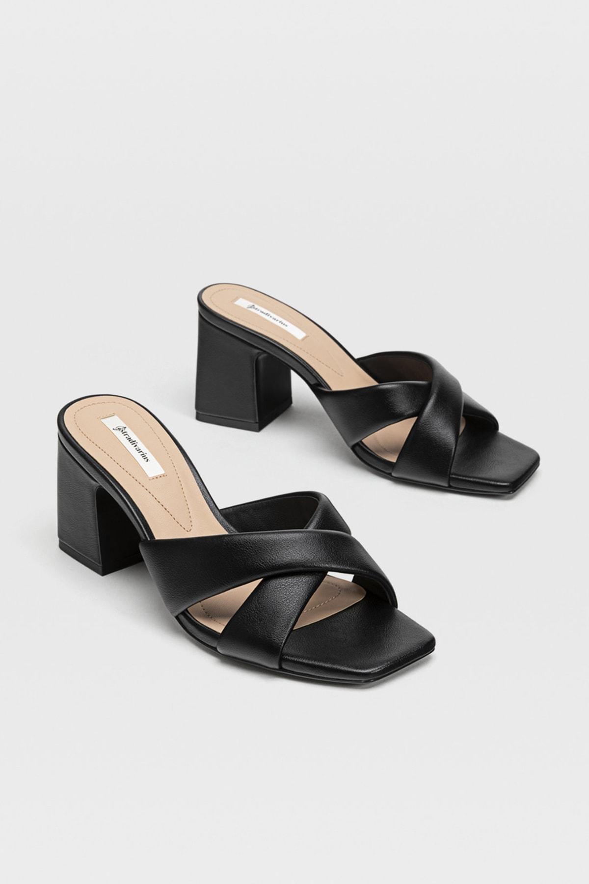 Stradivarius Kadın Siyah Dolgulu Topuklu Sandalet 19205571