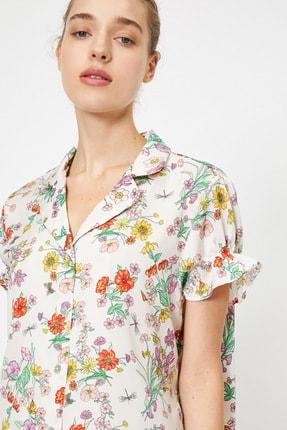 Koton Kadın Ekru Çiçek Desenli Firfır Detaylı Kısa Kollu Pijama Üstü
