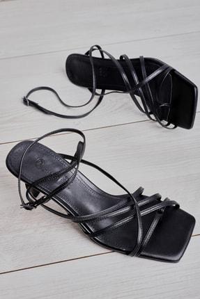 Bambi Sıyah Kadın Klasik Topuklu Ayakkabı L05035303