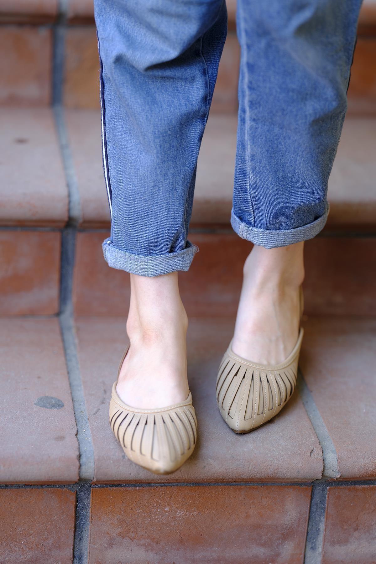 Oksit Toklu San Kadın Sandalet 2