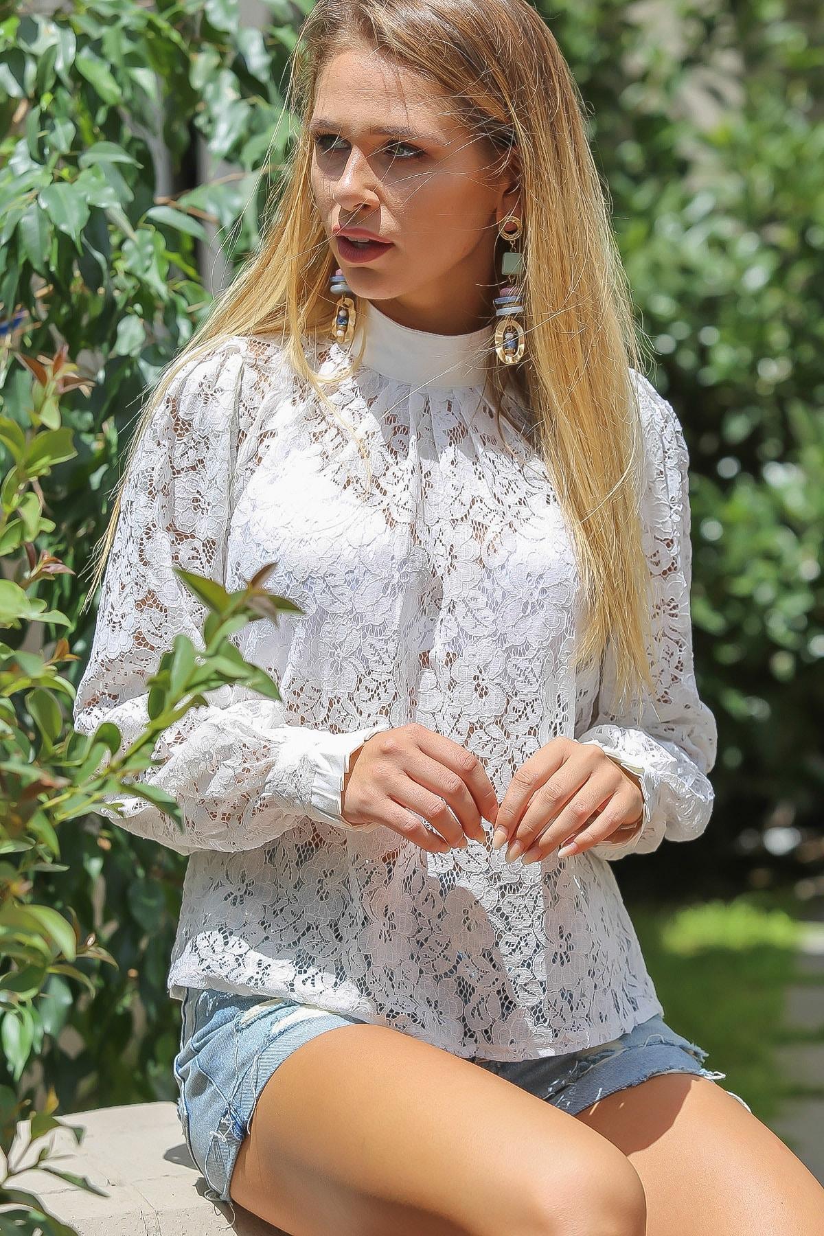 Chiccy Kadın Beyaz Vintage Dik Yaka Dantel Bluz 1