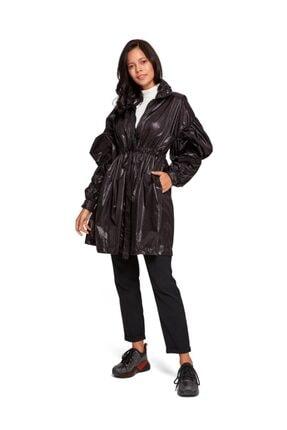 Mizalle Kadın Siyah Kolları Balon Yağmurluk 19KGMZL1027004