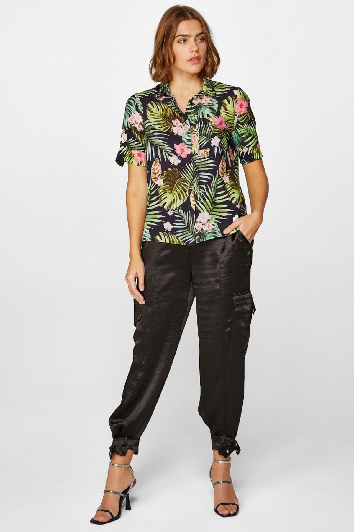 Faik Sönmez Kadın Siyah Tropik Desenli kısa kollu Gömlek 60358 U60358 1