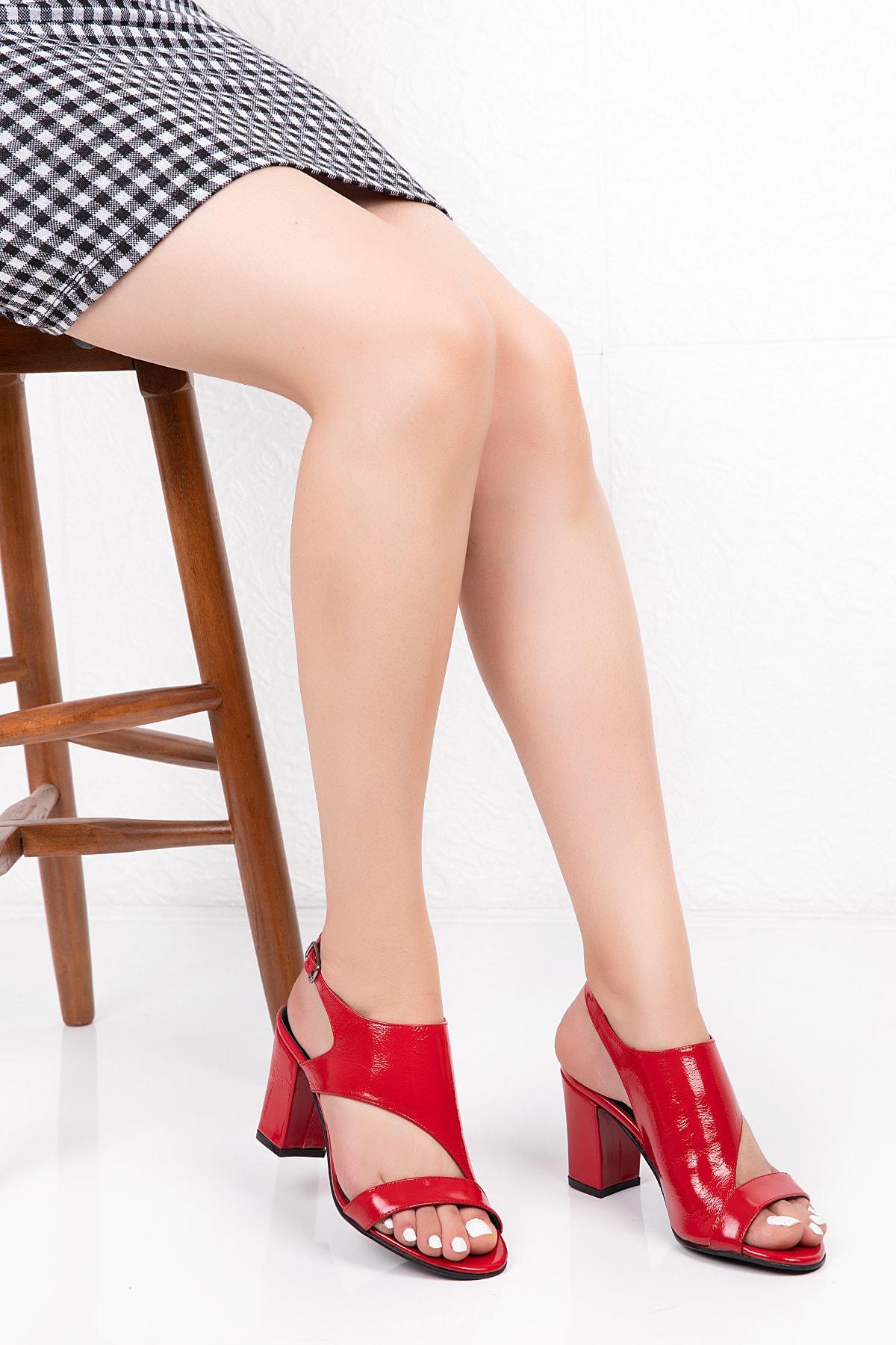 Gondol Hakiki Deri Rugan Topuklu Ayakkabı 1