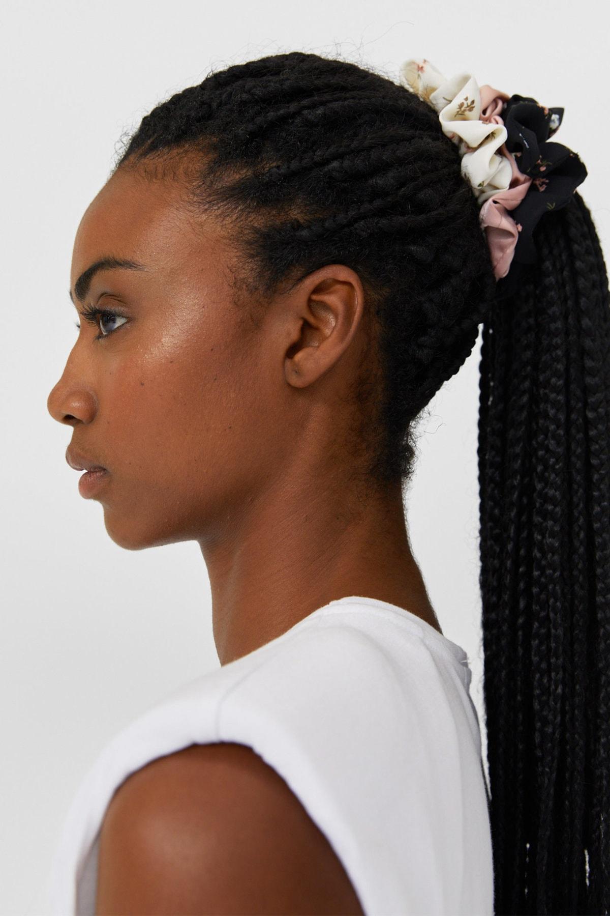 Stradivarius Kadın Siyah 3'Lü Çiçek Desenli Saç Lastiği Paketi 00239009 2