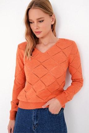 Trend Alaçatı Stili Kadın Tarçın V Yaka Delik Ajurlu Triko Kazak ALC-X5060