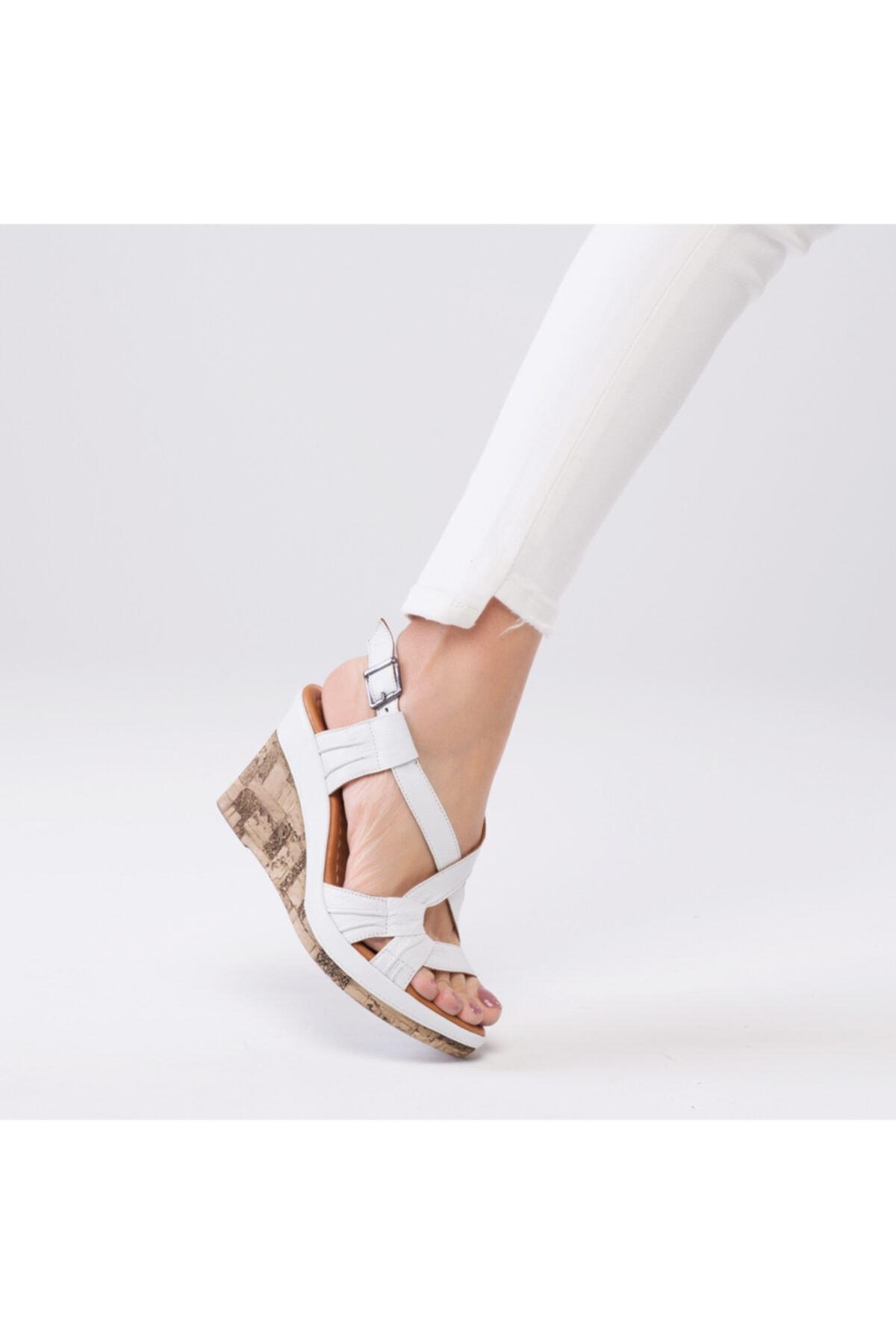 Zeynep Sıradağlı Kadın Beyaz Loreana Kaplama Dolgu Deri Sandalet 1