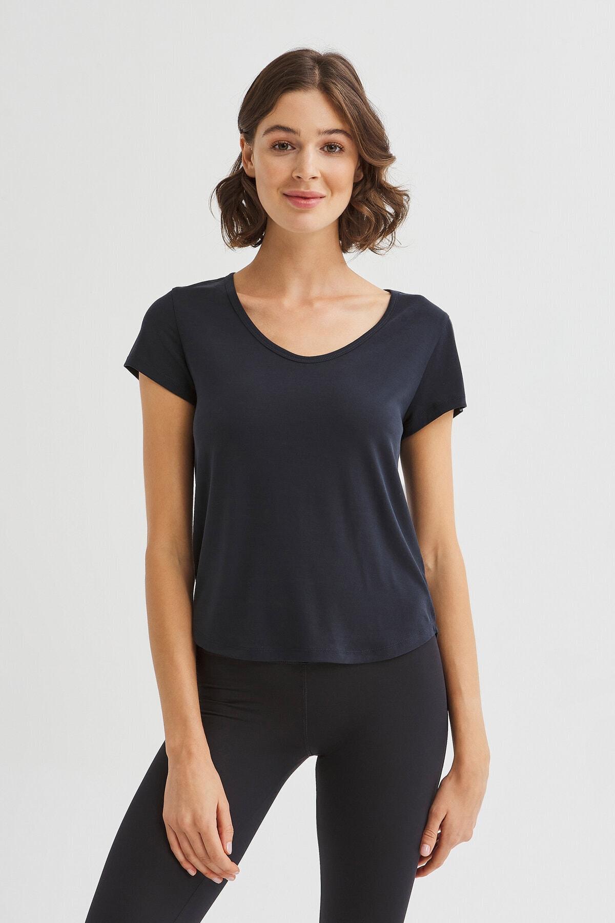 Penti Siyah Sırtı Detaylı Cupro Tişört 1