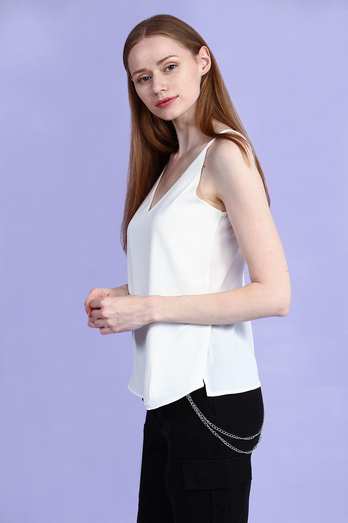 Collezione Ecru V Kesim Yakalı Askılı Basic Kadın Bluz 2