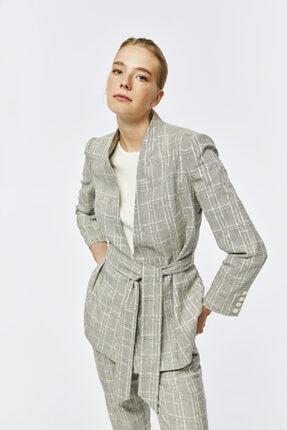 W Collection Dik Yakalı Kuşaklı Ekoseli Ceket