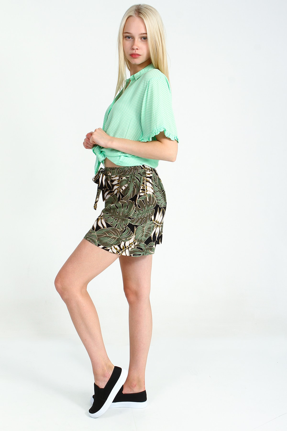 Collezione Mint Kadın V Yaka Belden Bağlamalı Gömlek Kısa Kol 2