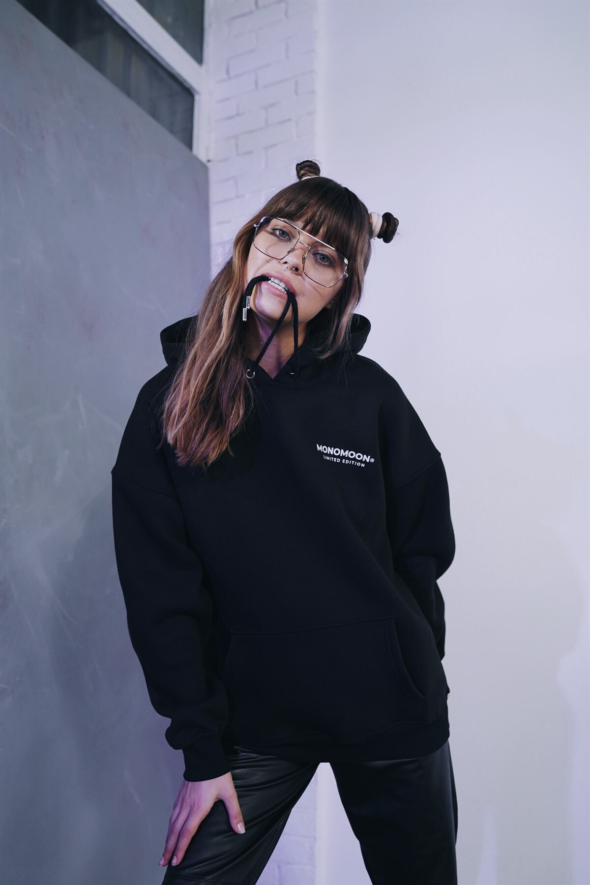 Monomoon Siyah Kapüşonlu Oversize Sweatshirt 1