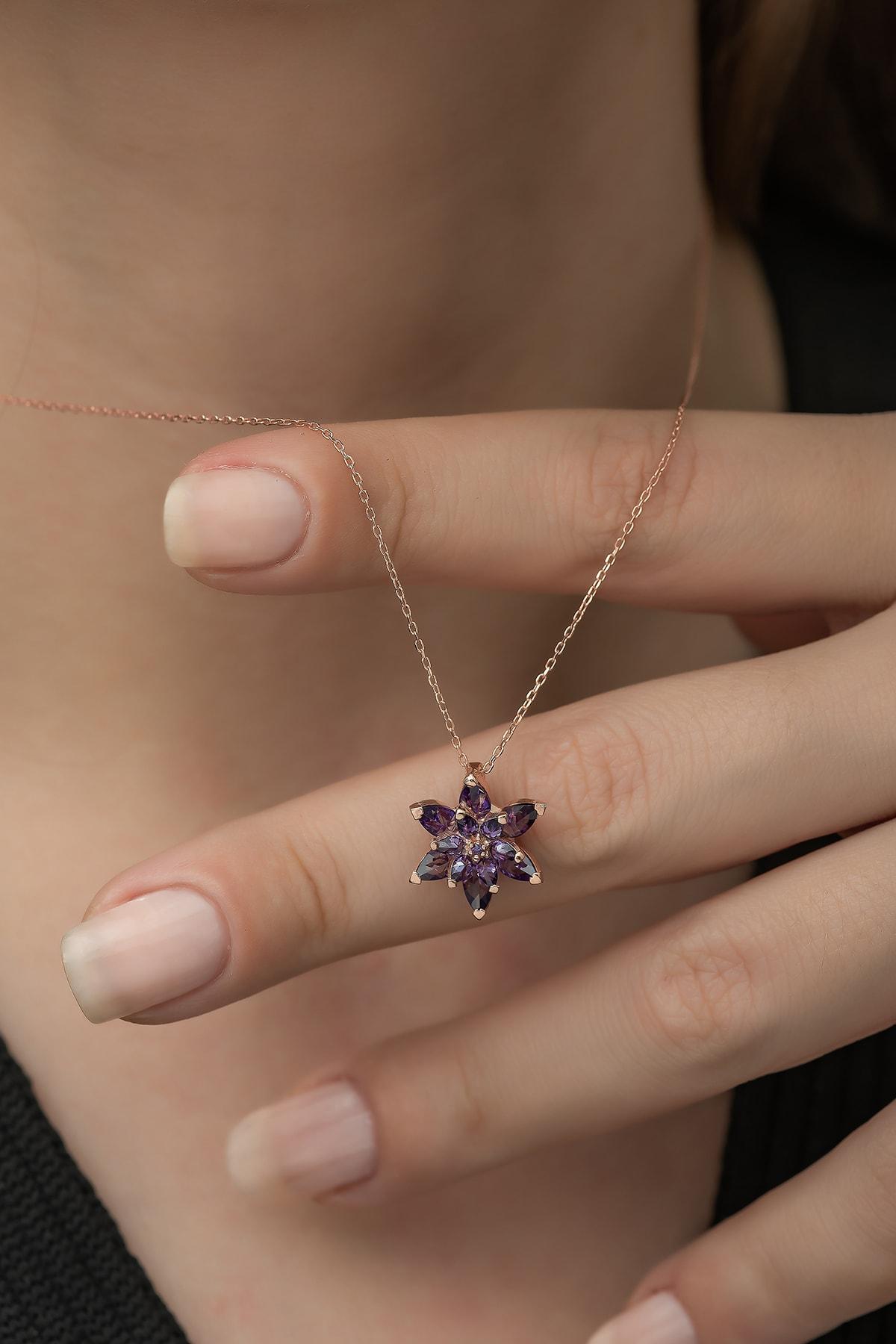Nereze Kadın 925 Ayar Mor Lotus Çiçeği Gümüş Kolye 1