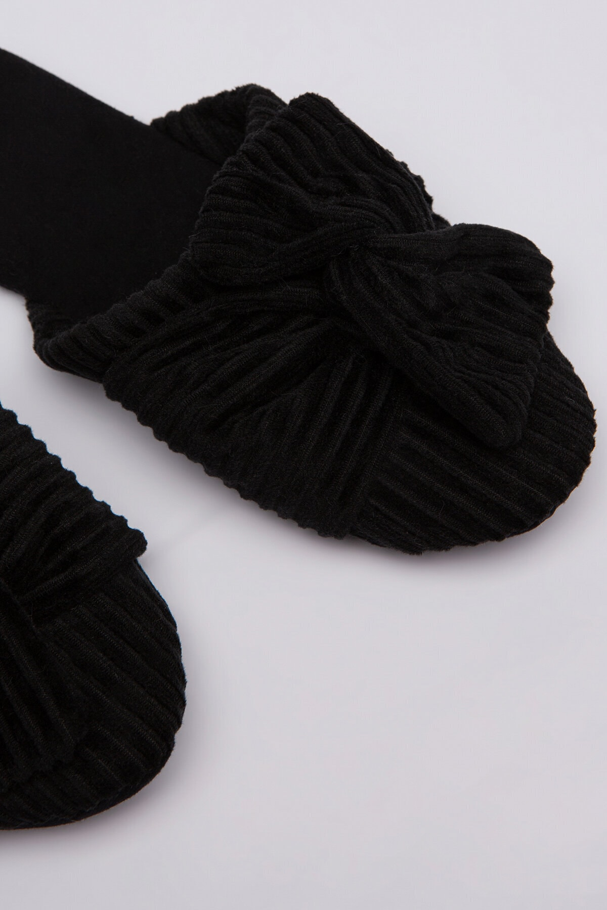 Penti Siyah Koyu Kadife Terlik 2