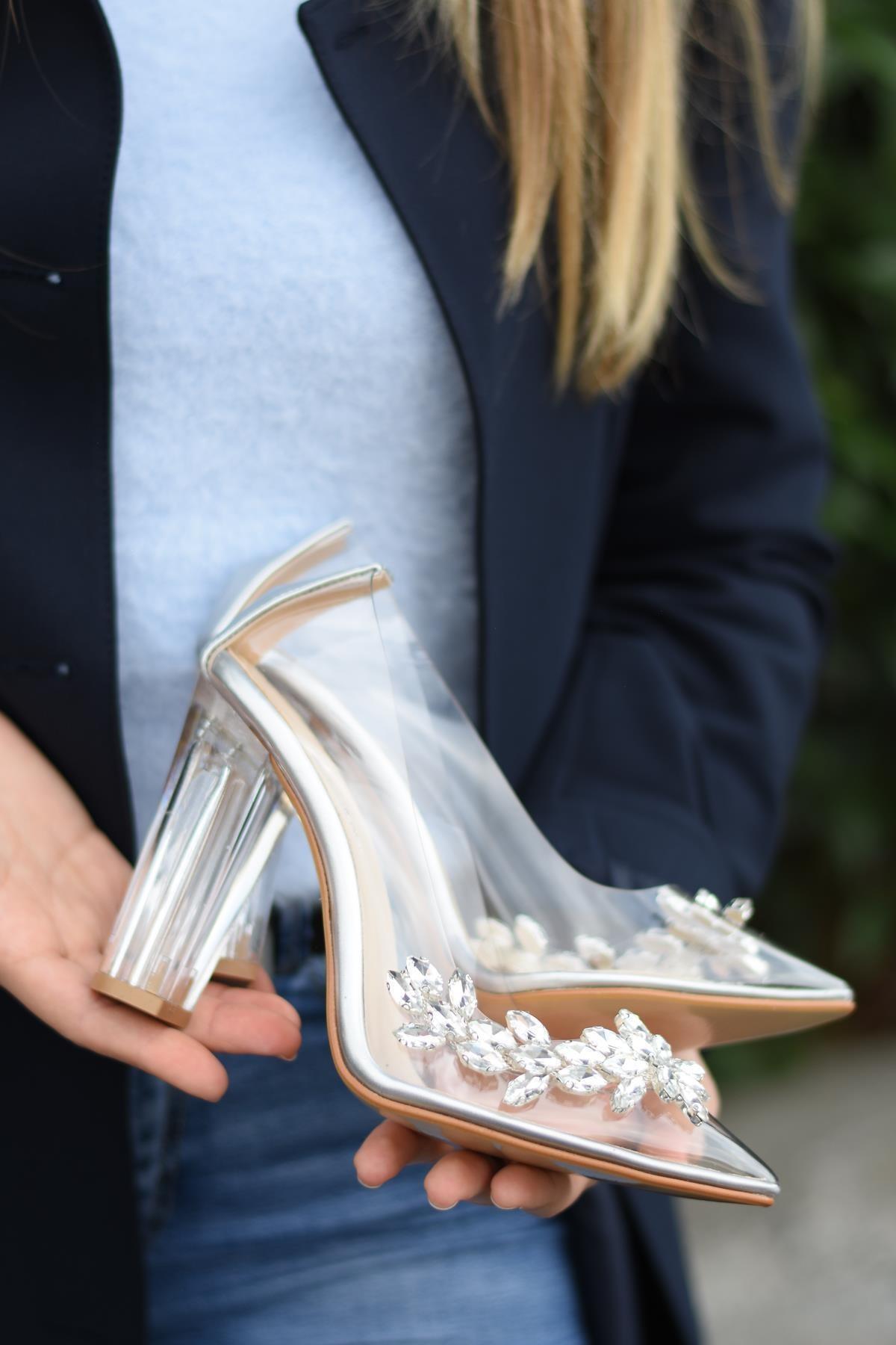 SHOEBELLAS Kadın Gümüş Topuklu Ayakkabı 1