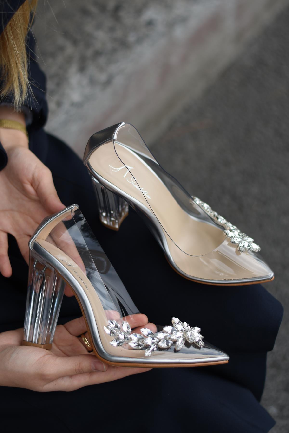 SHOEBELLAS Kadın Gümüş Topuklu Ayakkabı 2