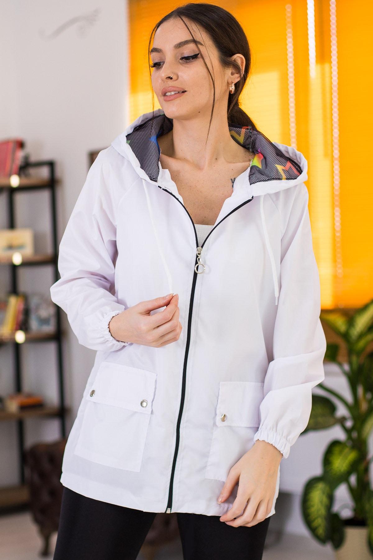 armonika Kadın Beyaz Cepleri Çıt Çıtlı Fermuarlı  Astarsız Yağmurluk ARM-21K055002 2