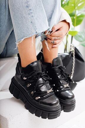 Limoya Elena Siyah Kırışık Rugan Kalın Tabanlı Sneakers