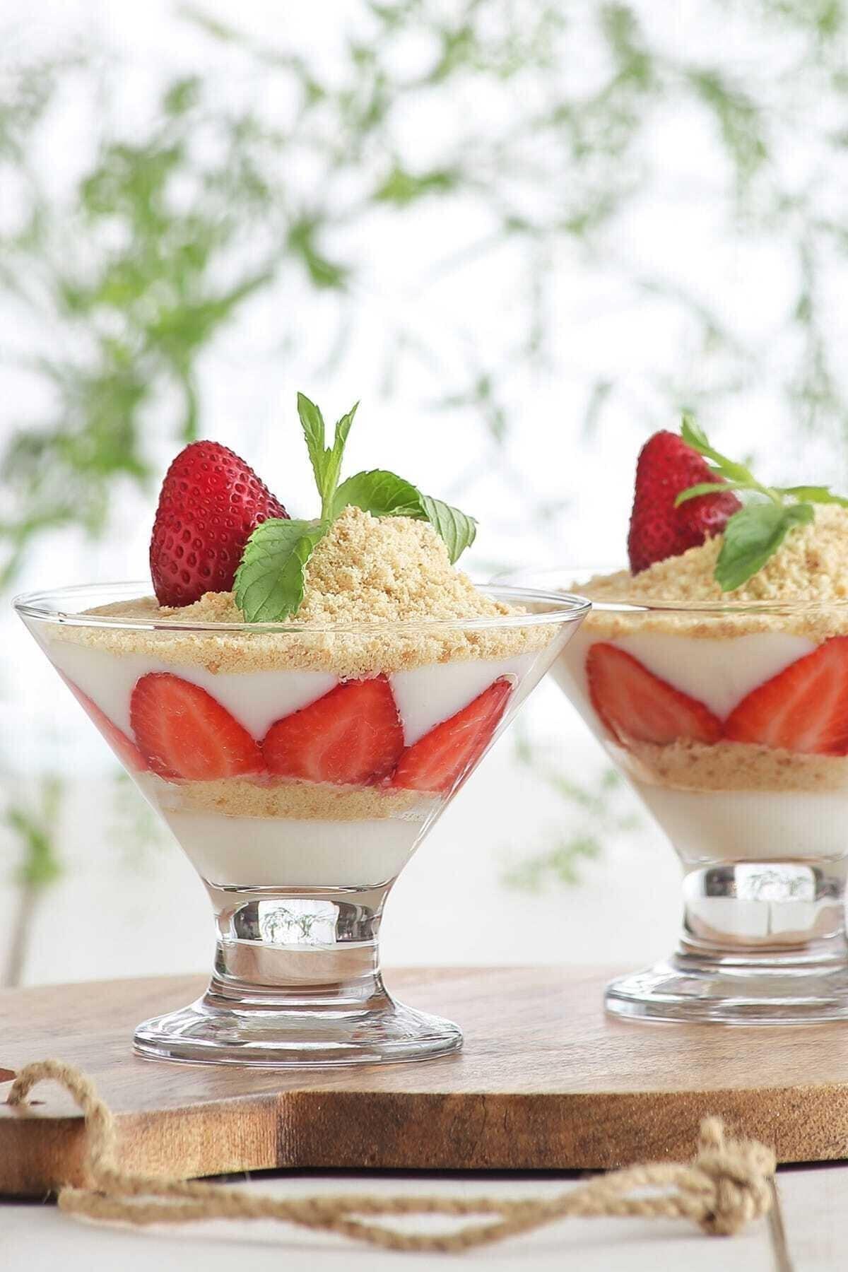 LAV Crema 6'lı Dondurmalık-tatlı Servisi 1