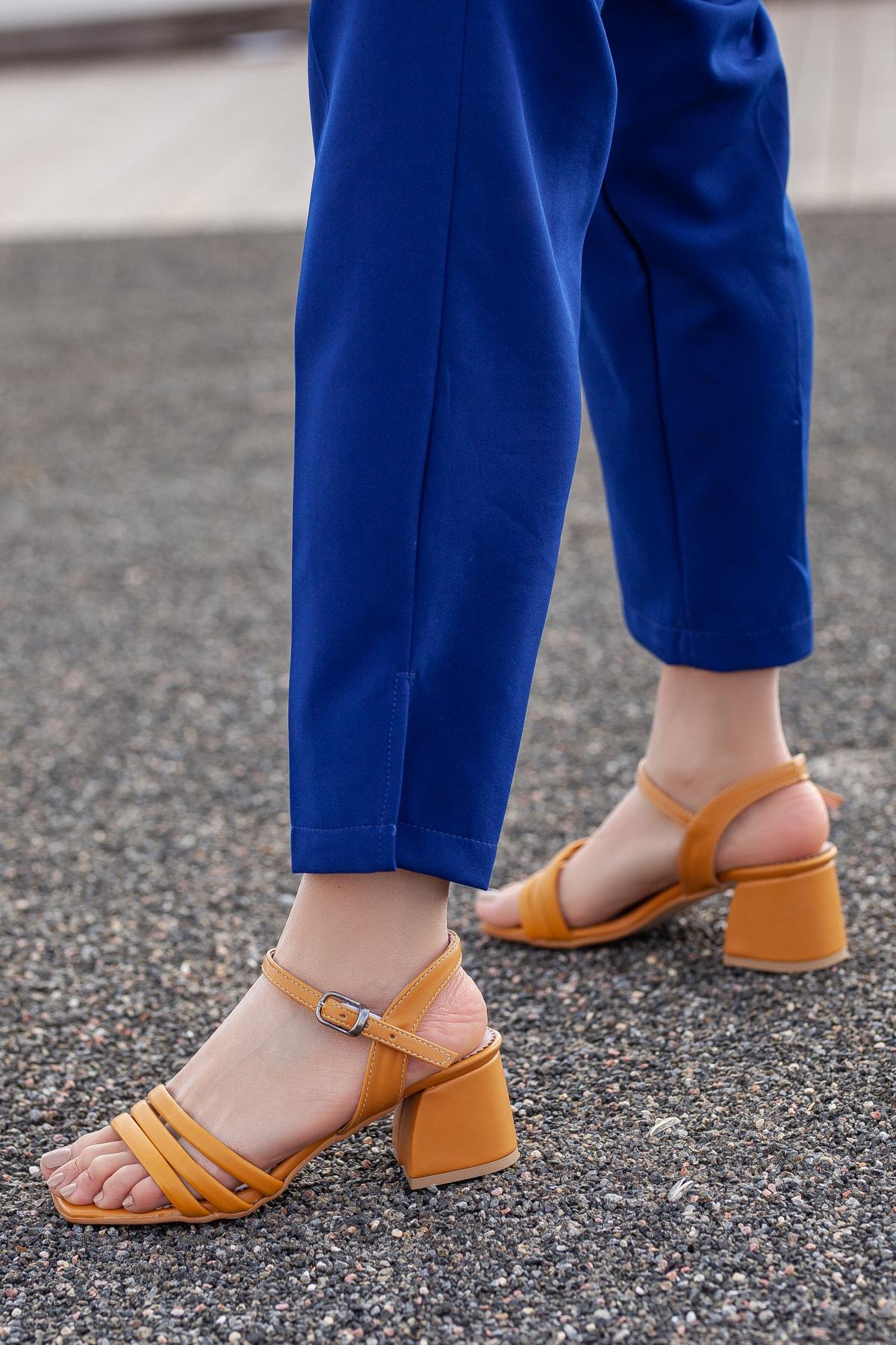 Daxtors D2180 Kadın Klasik Topuklu Ayakkabı 2