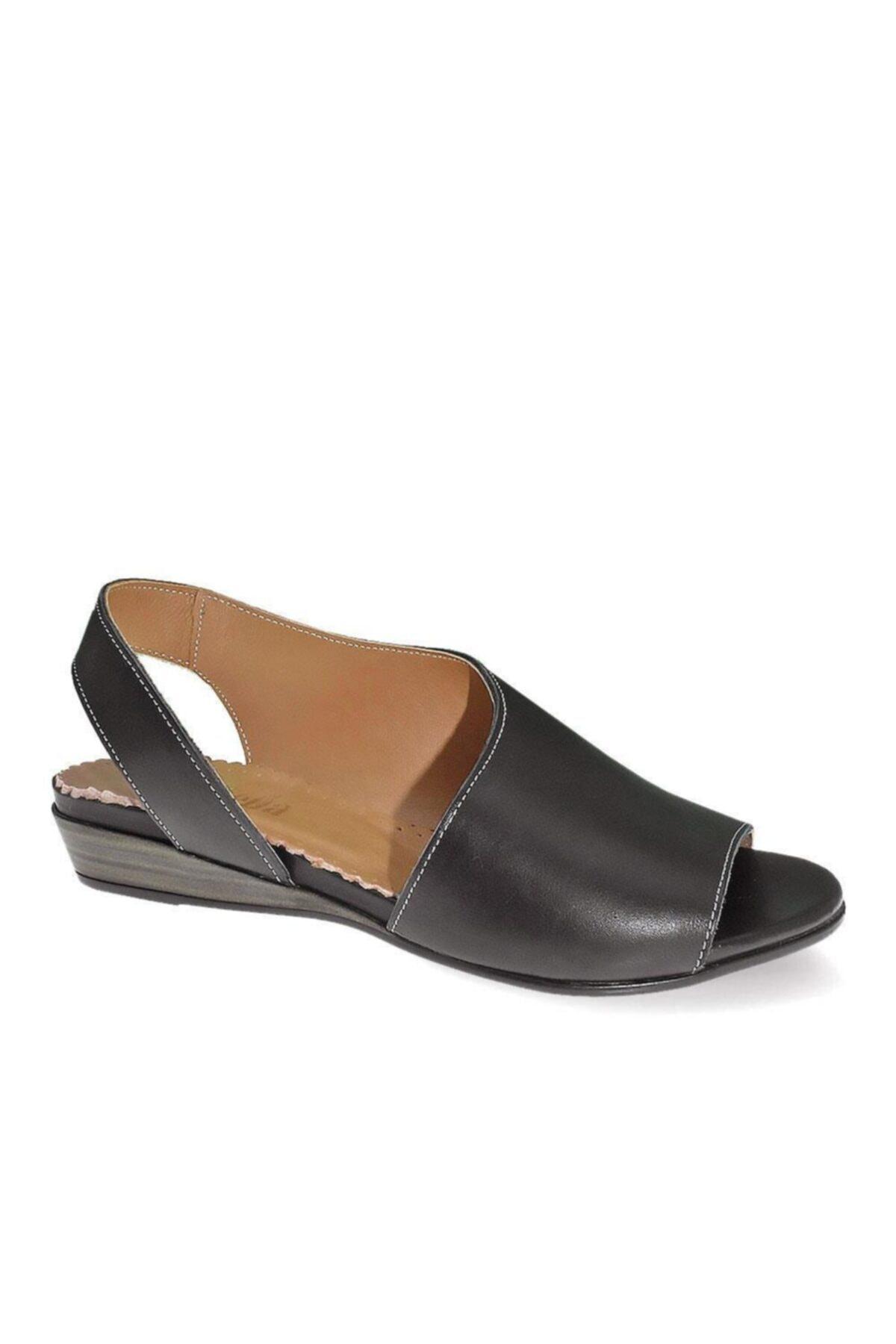 Stella 214 Kadın Deri Sandalet 1