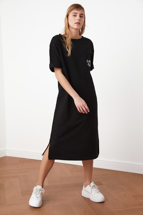 TRENDYOLMİLLA Siyah Nakışlı Örme Elbise TWOSS21EL0175